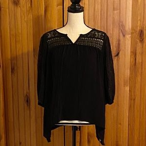 Cute black top with lace neck, size L